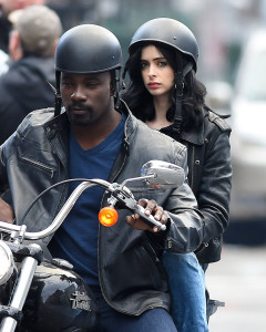 Mike Colter and Krysten Ritter on set of AKA Jessica Jones as Luke Cage and Jessica Jones