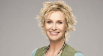 New comedy Angel from Hell debuted last night on CBS and premieres tonight on Global TV, and we had a chance to chat with series star Jane Lynch during her visit to the […]