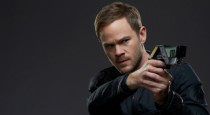 The final interview from our visit to the set of Killjoys is with Aaron Ashmore. He had a lot to share with us about his character, John, and his relationship […]