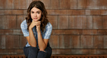 In last week's episode of The Fosters, Callie did a backslide into some old habits, got in trouble, and met a handsome stranger. Maia Mitchell chatted with us about the […]