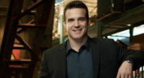 Eddie McClintock, who plays Warehouse 13's Pete Lattimer, had a Q&A session with the fans at the March Hobbystar Toronto ComiCon (presented by FanExpo). He let his geeky side out to […]