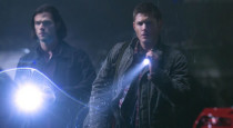 While the vast majority of evils the boys face week to week are of the ancient kind, things take a distinctly more cutting edge turn in this episode of Supernatural, […]
